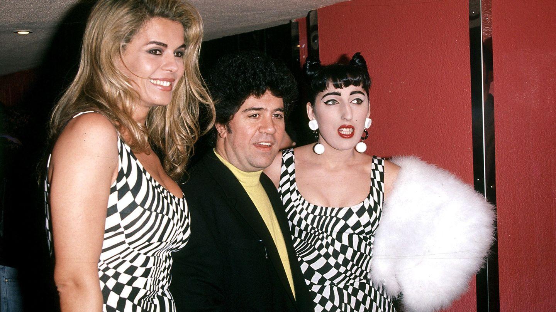 Pedro Almodóvar, Rossy de Palma y Bibiana Fernández en la década de los 90.