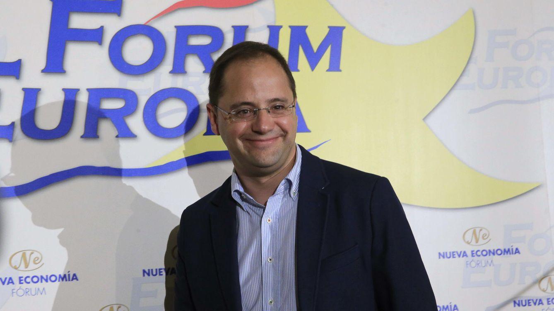 Foto: César Luena durante la celebración del desayuno informativo (EFE)