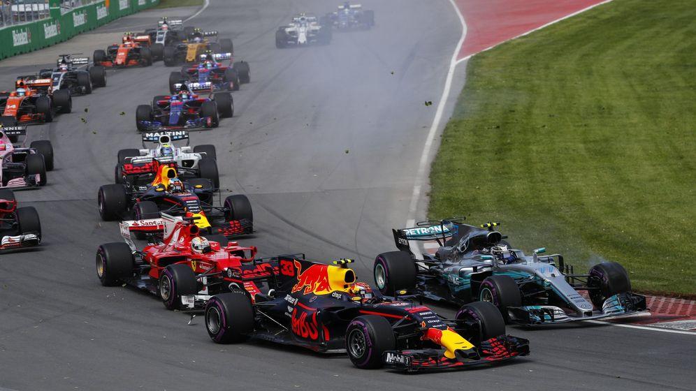 Foto: Verstappen dejó una de las imágenes más espectaculares de la carrera. (EFE)