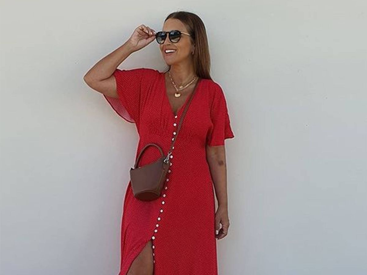 Foto: Paula Echevarría ha conseguido agotar un espectacular vestido rojo de Mango. (Cortesía)