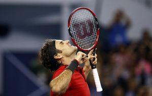 Federer se estrena en Shanghai y supera a Rafa Nadal en la ATP