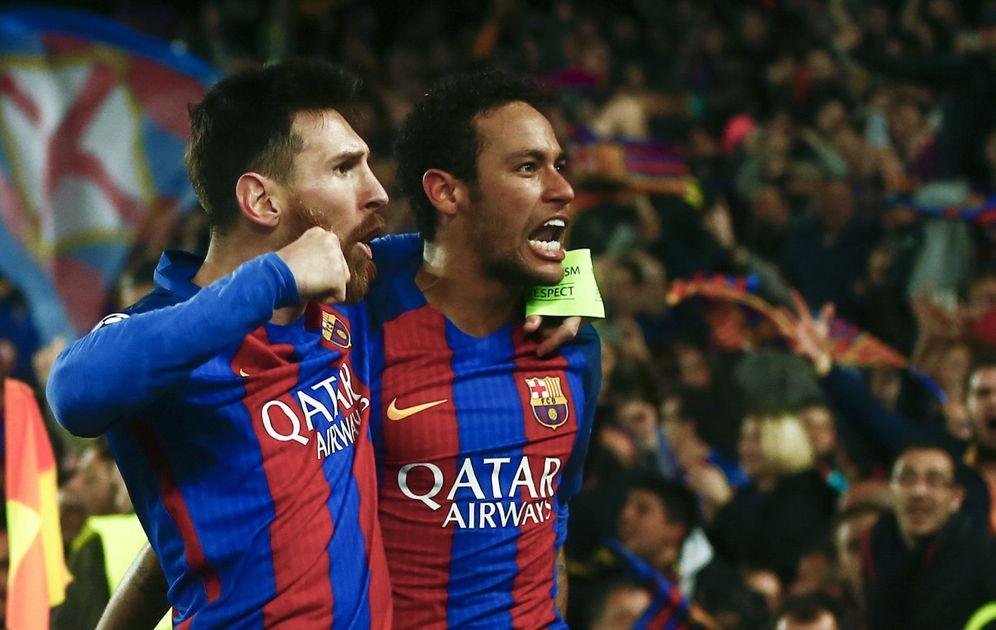 Foto: Neymar y Messi celebran el histórico triunfo firmado por el Barcelona ante el PSG. (EFE)