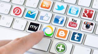 Publicidad, privacidad y mensajería, las claves de las redes sociales en 2015