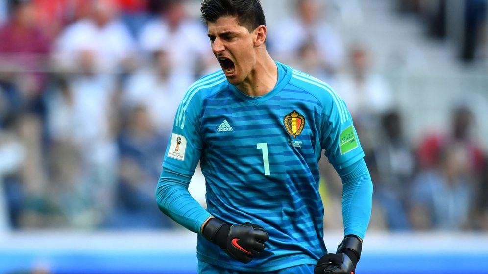 Foto: Courtois celebra la victoria de Bélgica con el tercer puesto en el Mundial. (Efe)