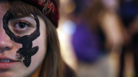 Marcha de mujeres en Chile y boda en Disney Land: el día en fotos