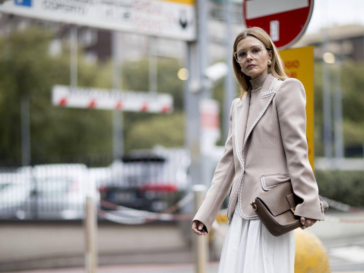 Foto: La falda plisada que necesitas está en Mango (Imaxtree)