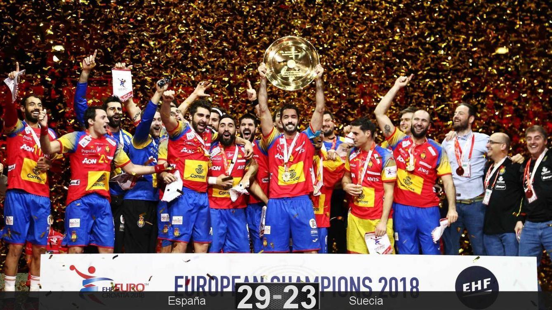 Foto: A la quinta fue la vencida: la selección masculina española ganó el oro europeo de balonmano. (Reuters)