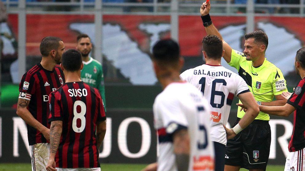 Mientras aquí el Barça marca un gol ilegal, el VAR expulsa a Bonucci en Italia