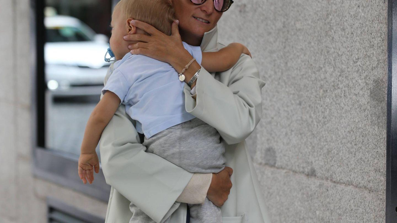 María Zurita, con su hijo. (José Martín)