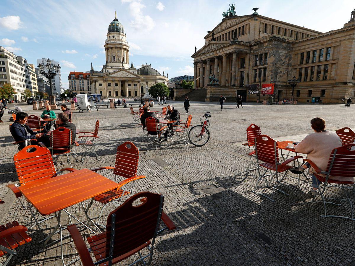 Foto: Una terraza en el centro de Berlín. (EFE)