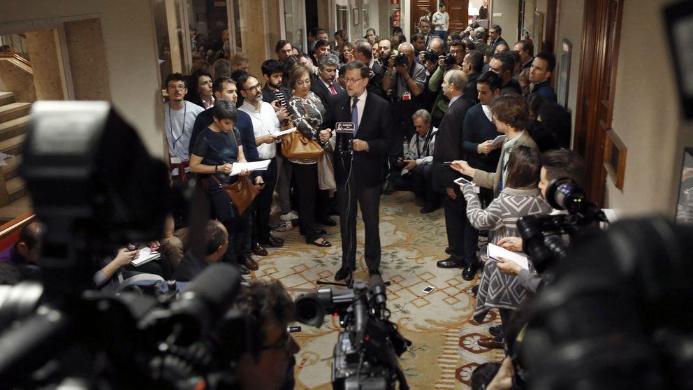 Rajoy obtiene el respaldo de Sánchez y Rivera para bloquear el proceso secesionista