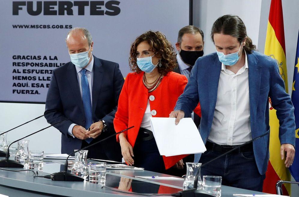 Foto: El vicepresidente segundo, Pablo Iglesias, y los ministros de Justicia, Hacienda y Transportes, este 7 de julio en la Moncloa. (EFE)