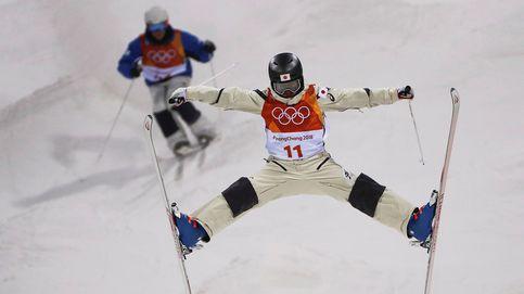Intensa nevada en Madrid y esquí acrobático en los Juegos de invierno: el día en fotos