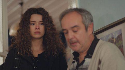 Giro en 'Mujer': Sirin recibe de su propia medicina tras ser repudiada por su padre