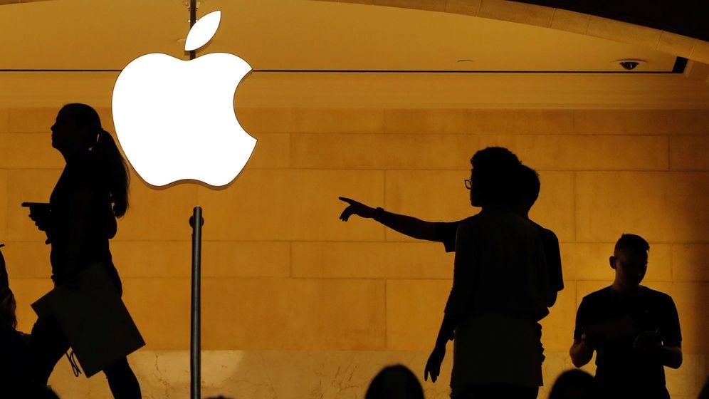 Foto: Logo de Apple en una de las tiendas de Nueva York. (Reuters)