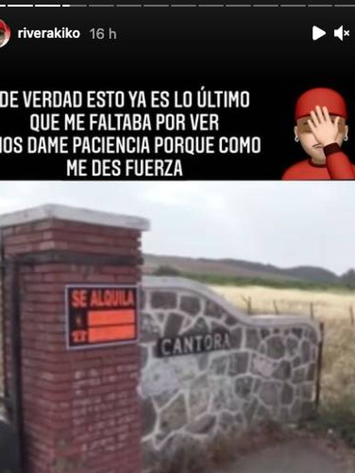 El cartel de 'se alquila' en Cantora. (Instagram @riverakiko)