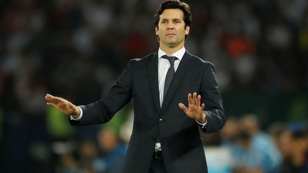 Foto: Solari pide calma durante la final del Mundial de Clubes ganada al Al Ain. (EFE)