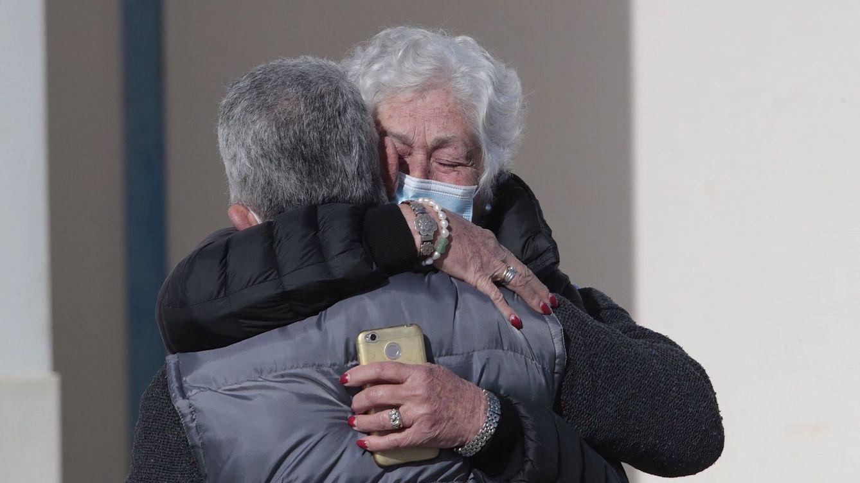 Las sentidas palabras de Teresa Rivera y su hijo Canales en el entierro de Riverita