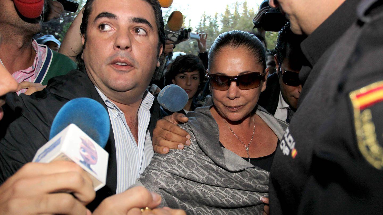 Isabel Pantoja, en el juicio del caso Malaya, en 2010 en Málaga. (Getty)