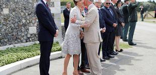 Post de El tierno gesto de Kate Middleton con Carlos de Inglaterra en el funeral del duque