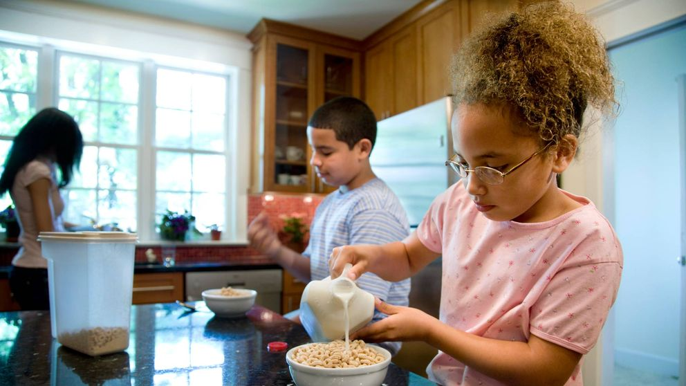Esto es lo que deben desayunar tus hijos para rendir física e intelectualmente