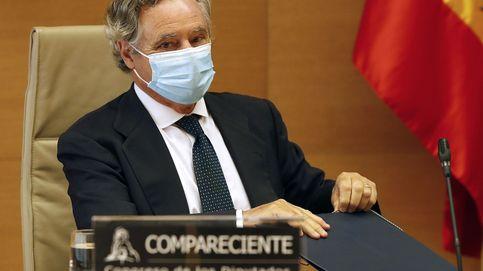 López del Hierro se entera de su imputación ante los micros del Congreso