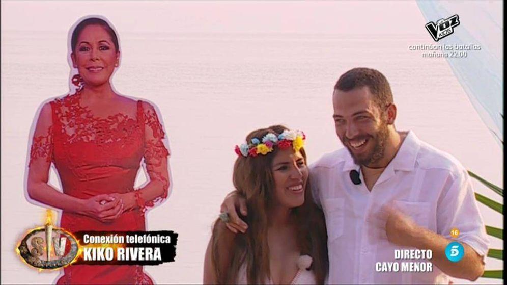 Foto: Kiko Rivera sorprende llamando a 'Supervivientes' tras al boda. (Telecinco)