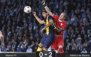 El Atlético tira de efectividad y solvencia para ganar a un Malmö revoltoso