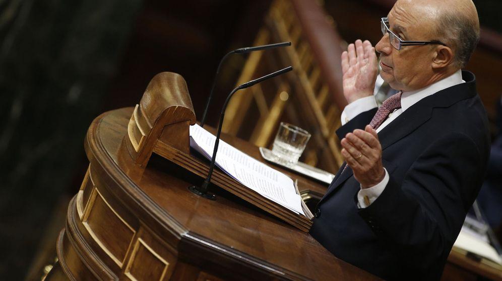 35 catedráticos lanzan un ataque sin precedentes contra Hacienda