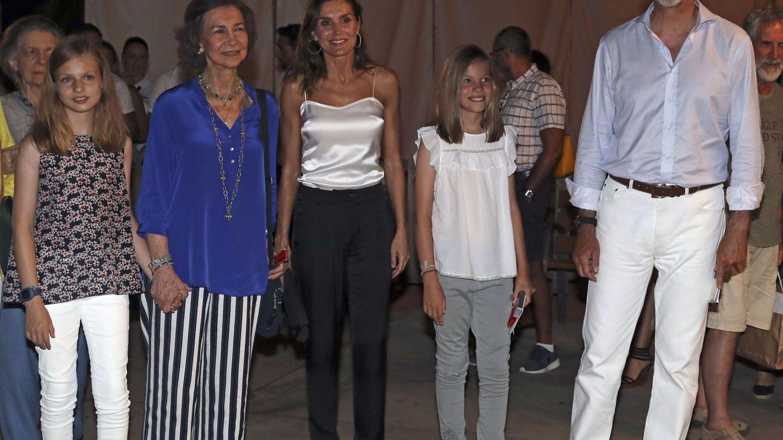 La reina Sofía en Mallorca con la familia real. (EFE)