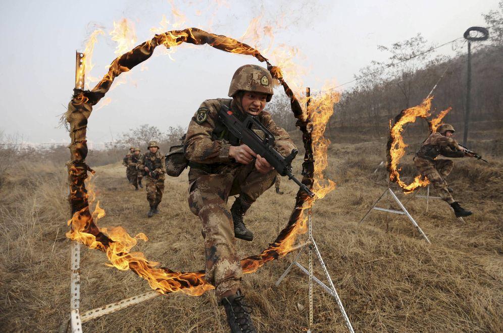 Foto: Soldados del Ejército Popular Chino de Liberación durante un entrenamiento en una base cercana a Tianshui. (Reuters)