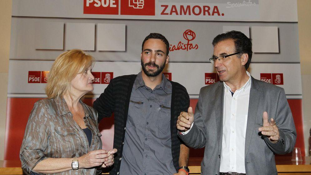 Foto: Alberto Sotillos, en un acto con militantes y simpatizantes del PSOE en Zamora. (EFE)