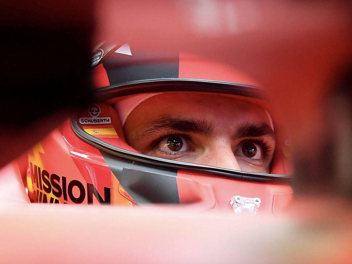 Foto: Carlos Sainz debutó con Ferrari en pésimas condiciones atmosféricas
