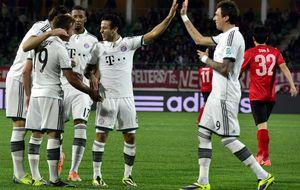 Un plácido paseo del Bayern más azulgrana basta para estar en la final