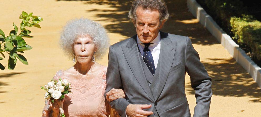 Foto: Los duques de Alba en una imagen de su boda en octubre de 2011 (Gtres)