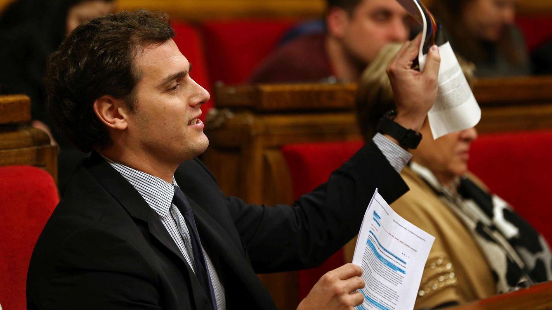Foto: Albert Rivera durante la sesión de control en el Parlament (EFE)
