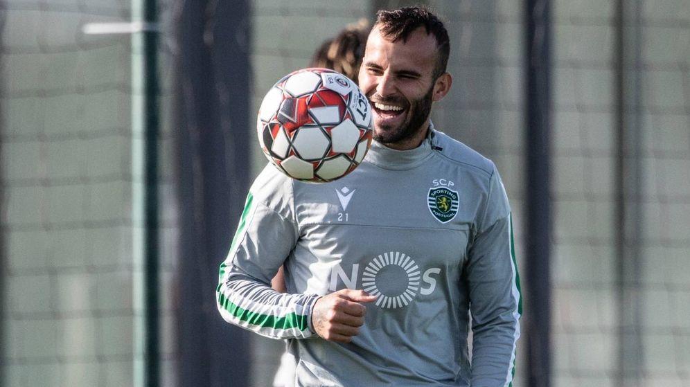 Foto: Jesé Rodriguez, sonriente, durante un entrenamiento con el Sporting de Portugal.