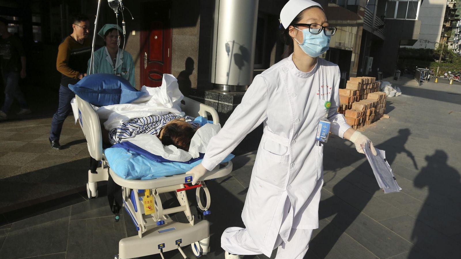 Foto: Varios hospitales rechazaron al paciente por no tener equipamiento para operarle (Reuters)