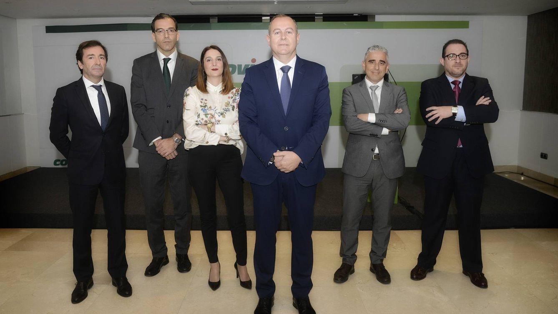 Foto: Luis Osuna, presidente de Covirán (centro), junto al equipo directivo. (Covirán)