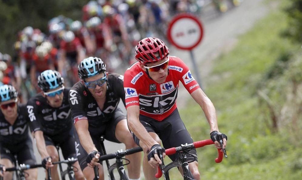 Foto: Imagen de una etapa de la Vuelta de 2017. (EFE)