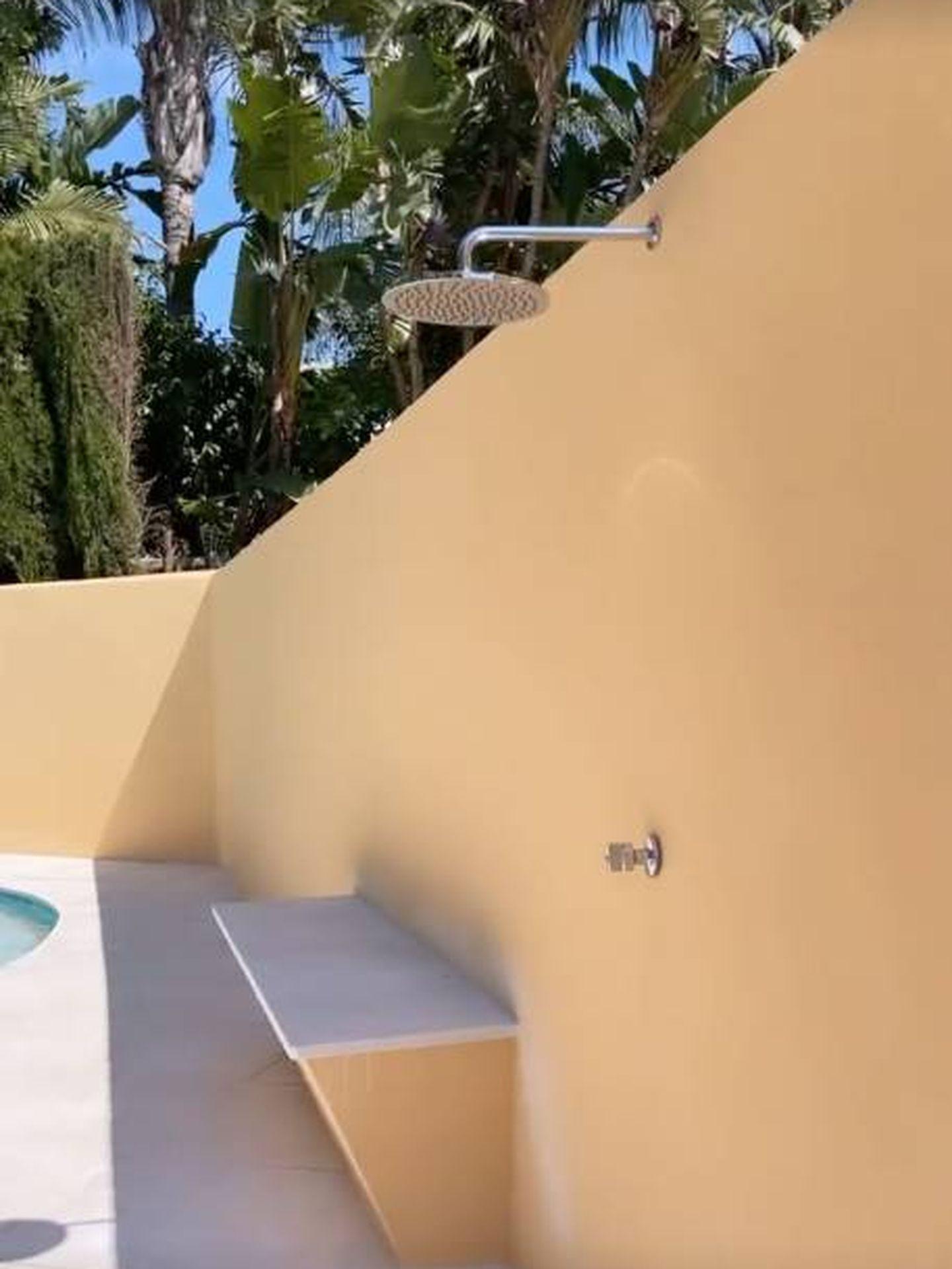 Una piscina a la que no le falta un detalle. (Instagram @rocio0sorno)