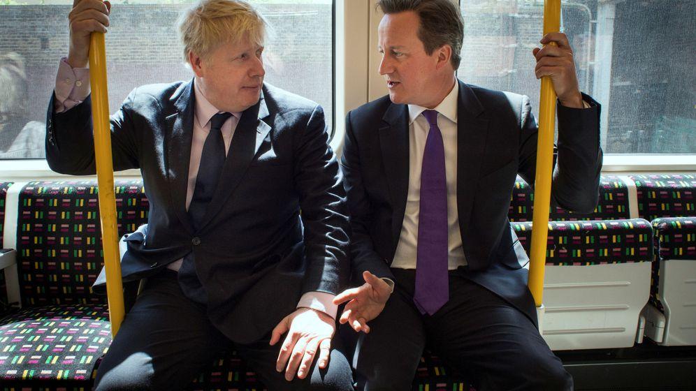 Foto: Foto de archivo de Boris Johnson, actual 'premier' británico, y David Cameron. (Reuters)