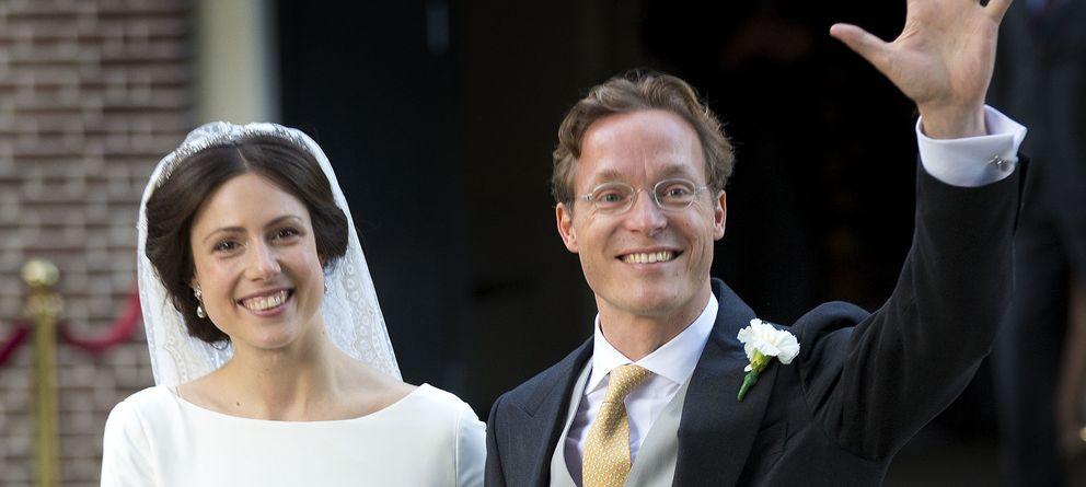 Foto: Jaime de Borbón y Parma y Viktoria Cservenyák, durante su boda (I. C)