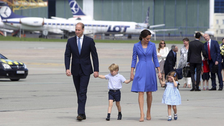La familia al completo en una visita oficial a Polonia. (Gtres)