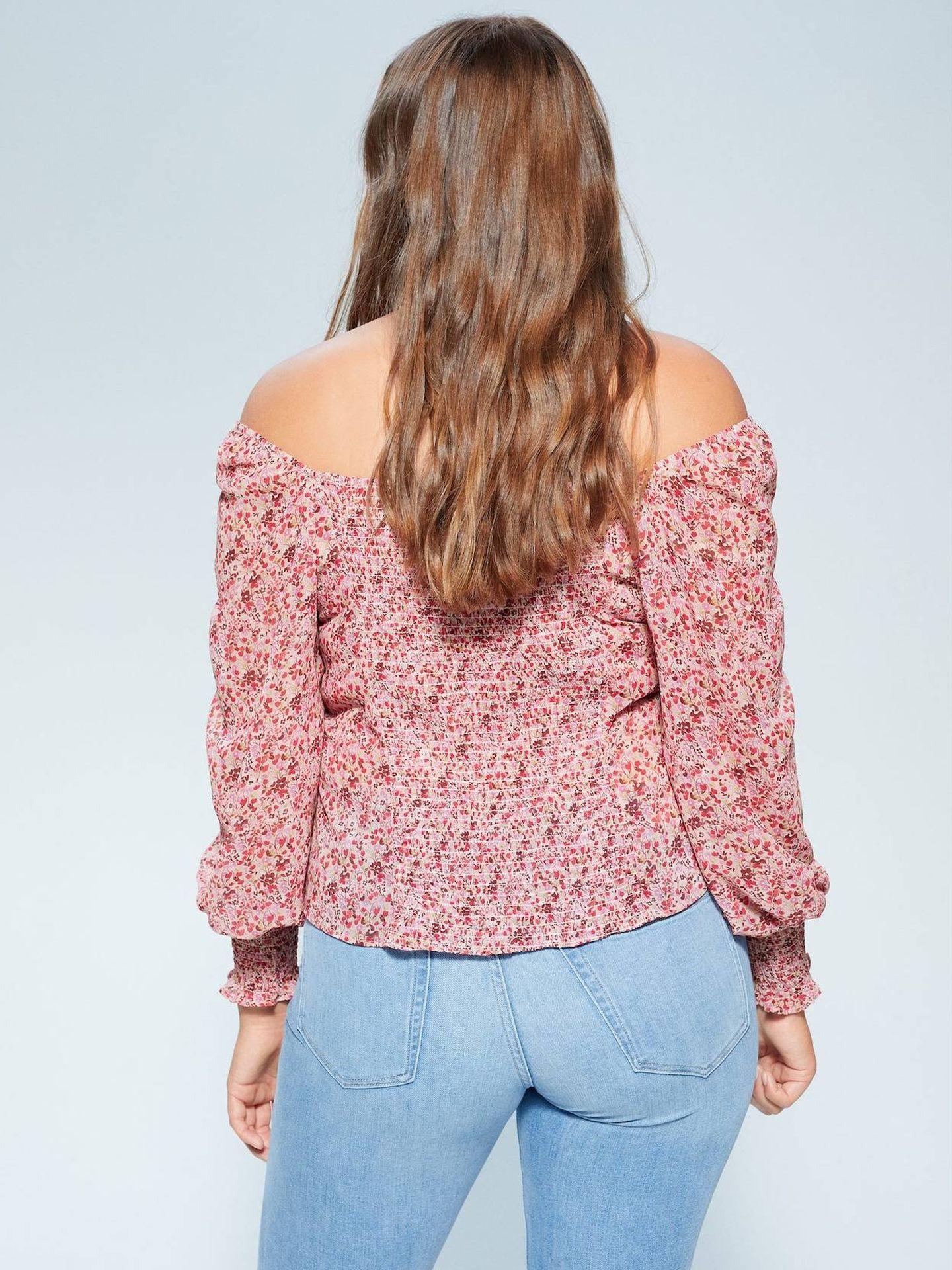 Blusa de Violeta by Mango. (Cortesía)