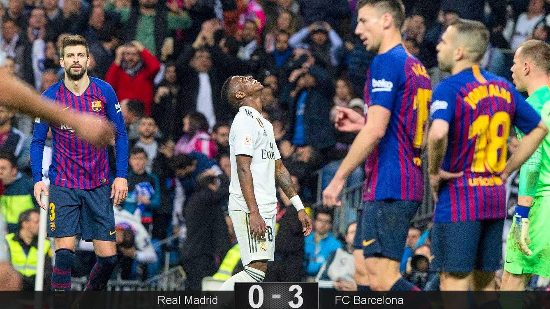 Foto: Vinicius se lamenta tras uno de sus fallos en el Real Madrid-FC Barcelona- (Miguel J. Berrocal)