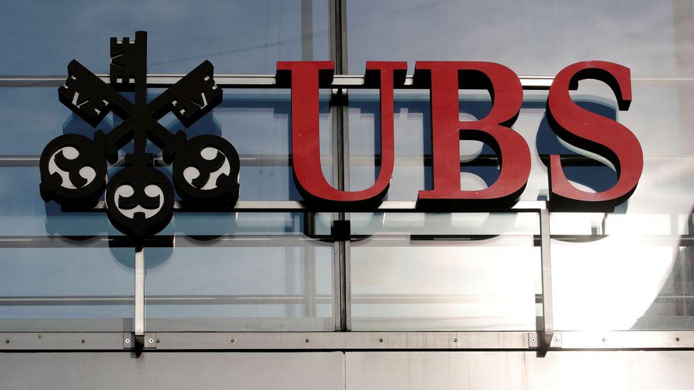 Foto: File photo: logo of swiss bank ubs is seen in zurich