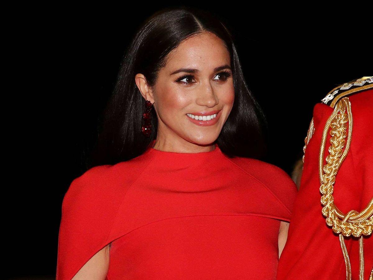 Foto: Meghan Markle, de rojo en el Royal Albert Hall. (Getty)