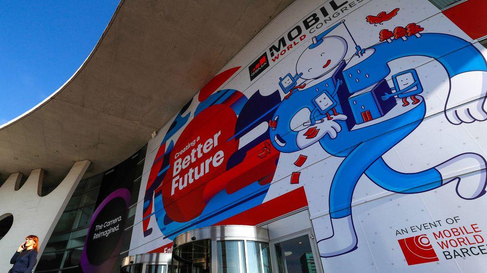 Foto: Preparativos en la Fira de Barcelona para acoger el Mobile World Congres. (Reuters)