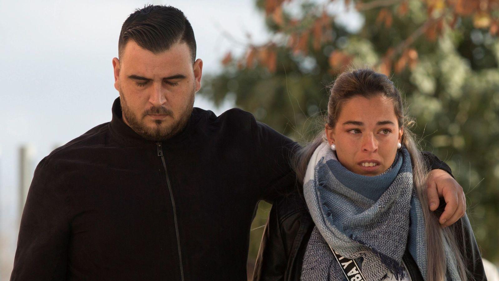 Foto: José Roselló (i) y Victoria García (d), los padres de Julen. (EFE)